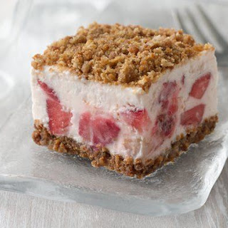 Frozen Strawberry Crunch Cake