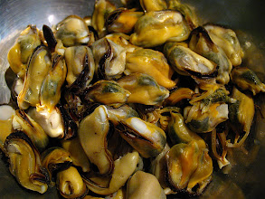 Photo: shelled steamed mussels