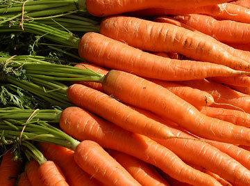 Wash Carrots. Peel the carrots. Cube Carrots in 2 inch cubes. Put in Slow...
