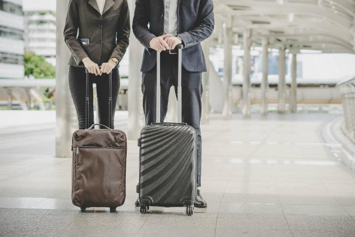 Cómo hacer maletas de viaje pequeñas
