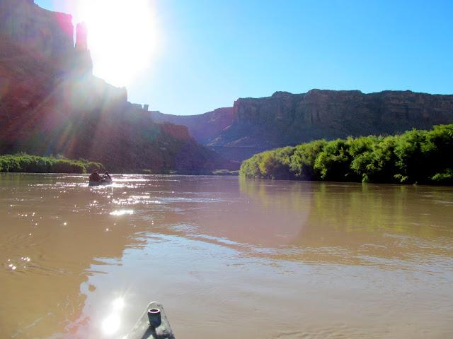 Paddling toward Hell Roaring Canyon