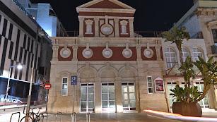 El Teatro Apolo es uno de los edificios que se iluminarán de rojo.