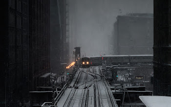 Photo: Still mining pieces from my trip to Chicago in February. The Chicago El heading into the station. #trains #urbanphotography #chicago