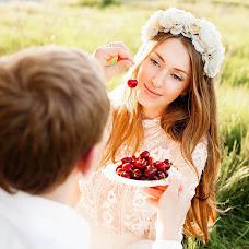 Wedding photographer Mariya Burmistrova (curlymary). Photo of 01.01.2014