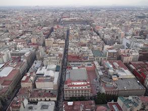 Photo: Vylezli jsme na rozhlednu. Tam kousek dál je to náměstí..