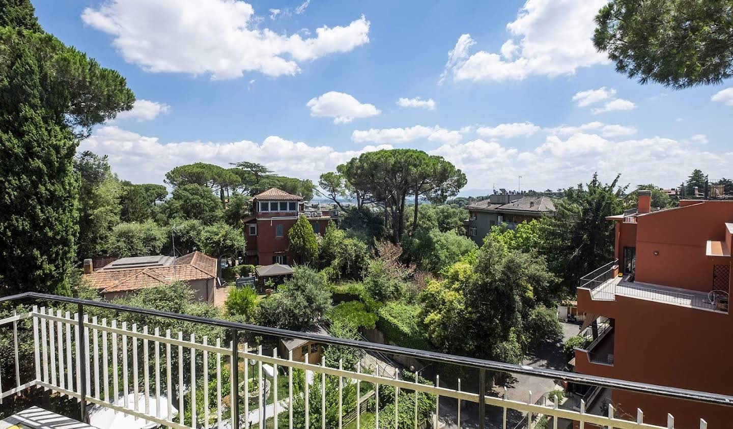 Apartment with terrace Rome