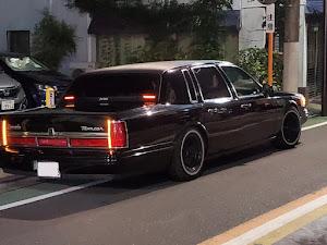 タウンカー  97年式 のカスタム事例画像 97 Lincoln  Town Carさんの2019年08月13日16:47の投稿