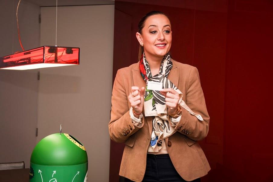 La falla Luis Lamarca-Velázquez, ganadora de la campaña La Reciclà tras recoger 640 kg de vidrio reciclado
