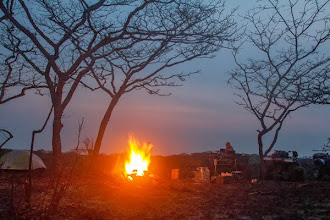 Photo: Campfire in Luando Fogueira no acampamento no Luando