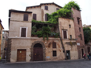Photo: Cool house in Rome