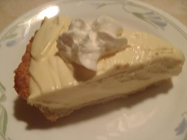 Creamy Lemonade Pie - Steph Recipe