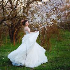 Wedding photographer Viktoriya Dedina (Dedina). Photo of 21.04.2015