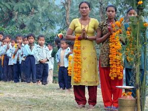 Photo: Empfang an der Nepalkids Schule in Shathimure
