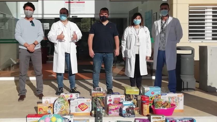 Donaciones de alimentos y juguetes protagonizan las Navidades más solidarias del Centro Comercial Torrecárdenas.