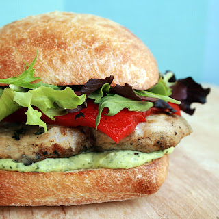 GRILLED CHICKEN SANDWICH WITH PESTO GOAT CHEESE SPREAD
