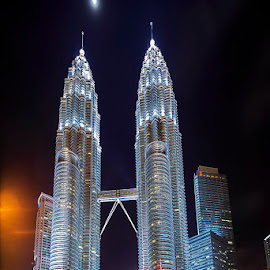 Twin Tower by Hendrik Priyanto - Buildings & Architecture Public & Historical ( building, malaysia, cityscape, architecture, twins, nightscape )