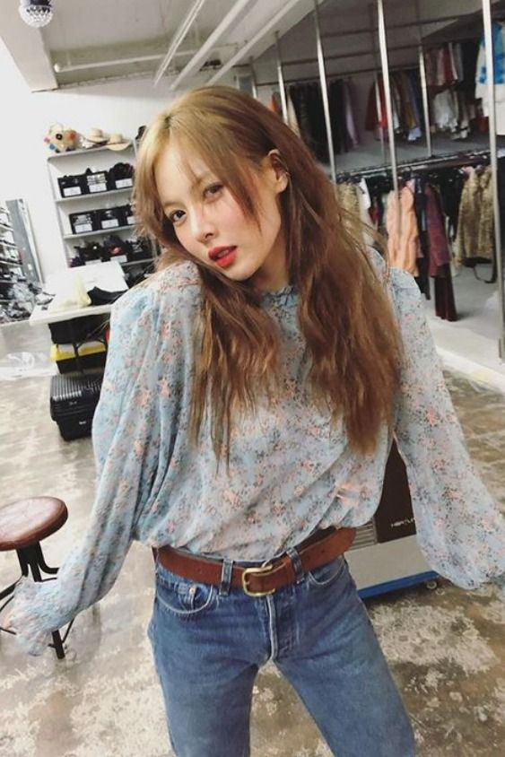 Hyuna Style - Blue Floral Pleated Collar Blouse