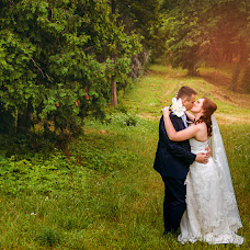 Wedding photographer Anna Gomenyuk (KinoLove). Photo of 11.07.2015