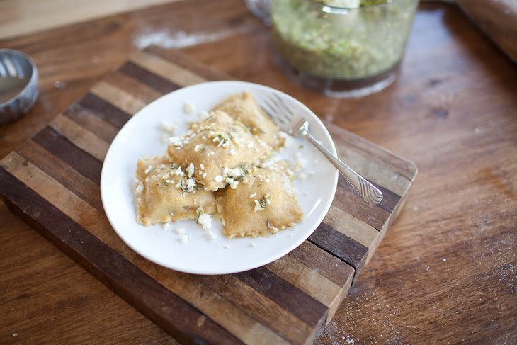Brussel Sprout, Fig, and Feta Ravioli Rezept | Yummly