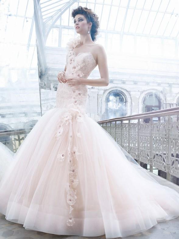 Астелли, салон свадебной и вечерней моды в Хабаровске