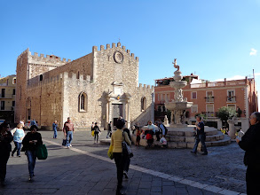 Photo: Taormina's Duomo- the 12-15 cent basilica of St Nicolo de Bari. The piazza fountain is crowned by a centaur
