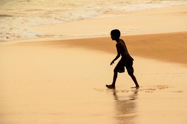 Giocando in riva al mare di Simona Ranieri