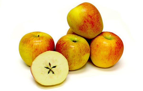 Braeburn - eat fresh, use in cooking A bi-colored variety, the thin yellow skin of...