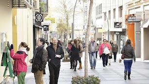 La calle Reyes Católicos, una de las cotizadas de Almería, según el informe de Tecnitasa