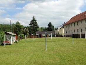 Photo: Der Waescheplatz. Frueher liess es sich hier super gut Fussball spielen oder einfach auf der Wiese luemmeln. Auf der Leine wurde auch Puppenwaesche aufgehangen- sehr wichtig :)