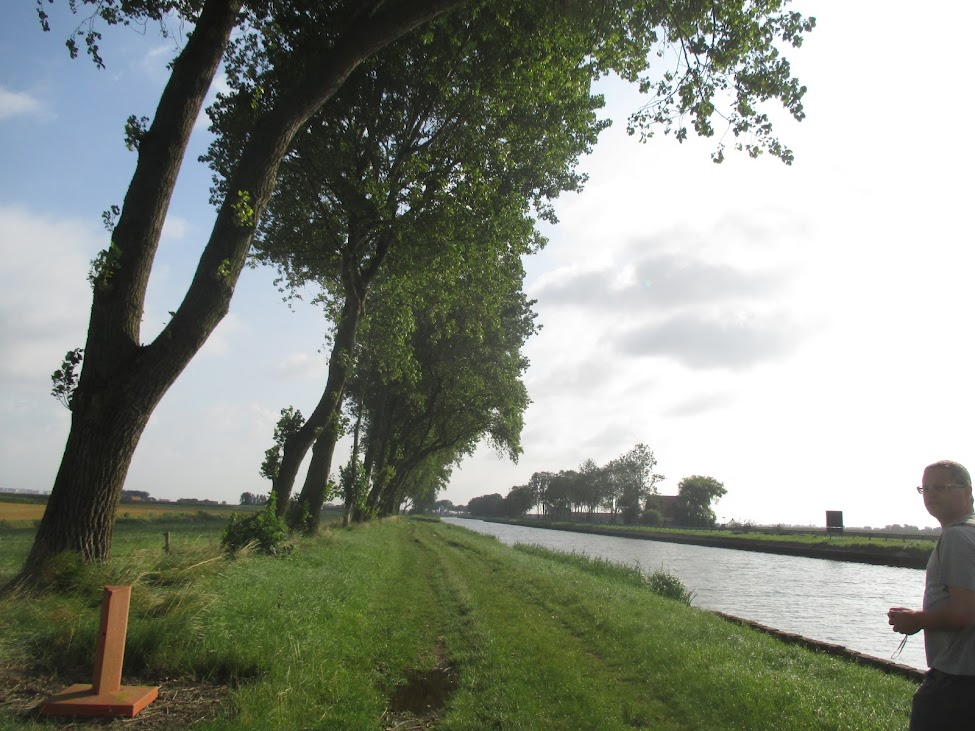 langs het kanaal Plassendale-Nieuwpoort