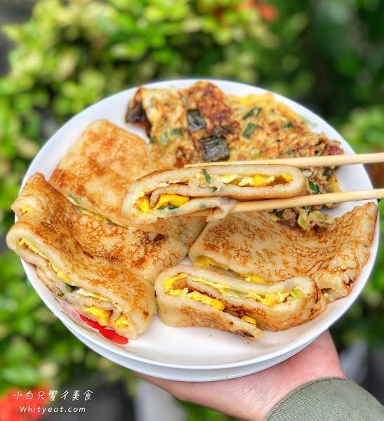 生意爆炸好的巷弄粉漿蛋餅 一份30元比臉還要大!瓜仔肉非點不可 隱身在巷弄的古早味 - 台南蛋餅|台南早餐