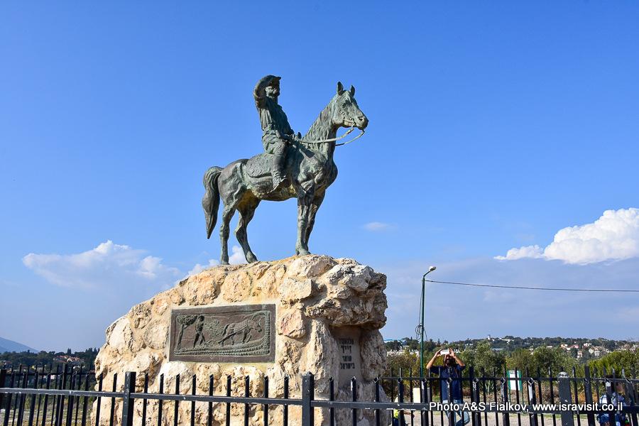 Памятник Александру Зайду в национальном парке Бейт Шеарим. Экскурсия гида по Израилю Светланы Фиалковой.