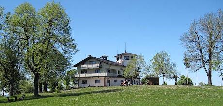 Photo: Dolmar - Das Charlottenhaus auf dem Dolmar. Gaststätte und Unterkunft.