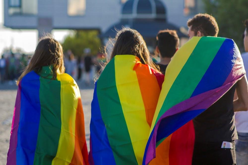 LGBT haat misdade verdubbel in die Verenigde Koninkryk, maar vervolgings daal