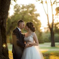 Wedding photographer Olya Poduta (olavolina). Photo of 03.09.2018