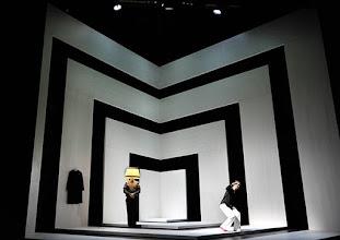 Photo: Wien/ Theater in der Josefstadt: KAFKA - EIN PROJEKT VON ELMAR GOERDEN. Premiere 25.4.2015. Regie: Elmar Goerden. Maria Köstlinger,Toni Slama. Foto: Barbara Zeininger