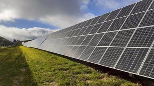 Endesa invierte 157 millones en su primera planta fotovoltaica en Almería