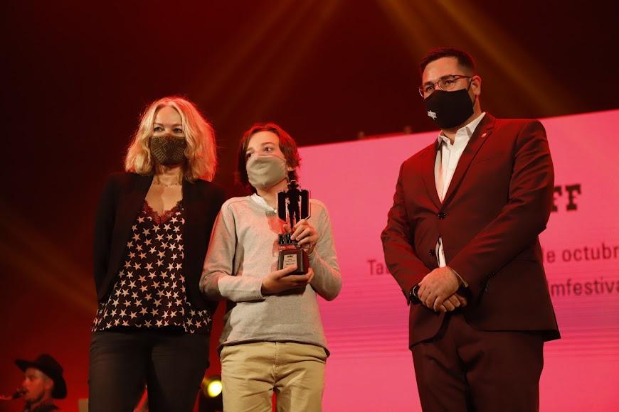 Premio Tabernas de Cine para Ángel del Pozo, que recogió su hija Almudena del Pozo.