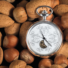 The Clock by Dirk Rosin - Artistic Objects Still Life