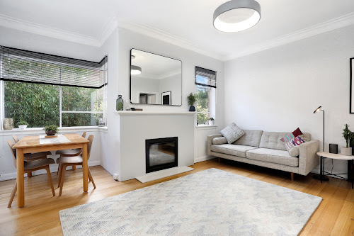 Photo of property at 1/3 Robertson Avenue, St Kilda 3182