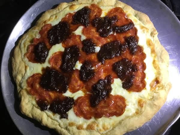 Hot Soppressata, Fresh Mozzarella, Bacon Marmalade, Honey