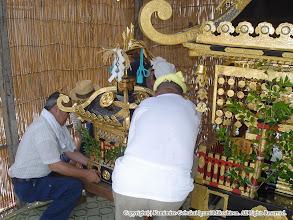 Photo: 【平成16年(2004) 宵々宮】 大人神輿・小人神輿を並べる。