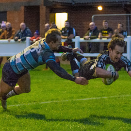 Flying try by James Booth - Sports & Fitness Rugby
