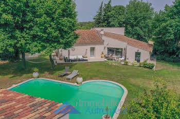 Villa 7 pièces 215 m2