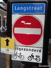 Photo: Langstraat in Wijhe. Is geen Waalwijk!