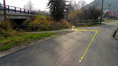 Photo: HODOŇOVICE. PODJEZD ZPÁTKY POD SILNICI č. 56 (A) - trasa směr Pržno, Beskydy (B) - trasa směr Hodoňovice - centrum,F - M,