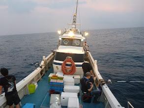 Photo: 今日は、今年初の「イカ釣り」釣行です! まだちょっと日が残ってますので、釣れません。