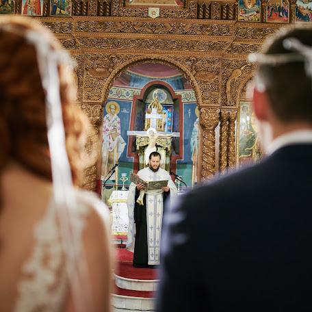 Wedding photographer Spyros Karvounis (spyroskarvounis). Photo of 03.10.2017