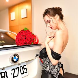 Nude(13) by 敬昕 涂 - Nudes & Boudoir Boudoir ( 敬昕 涂, car, jana, portrait, 涂敬昕, bmw )