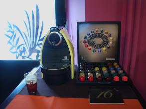Photo: kawa Nespresso w sklepiku / kawiarence